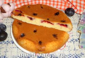 Заливной пирог со сливами в мультиварке