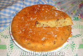 Пирог с грецкими орехами в мультиварке