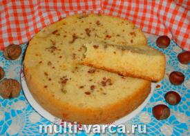 Морковный пирог с орехами в мультиварке