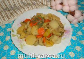 Картофель с кабачками в мультиварке