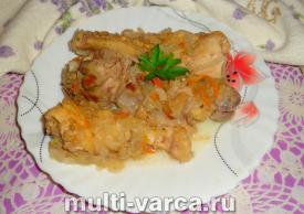 Курица с квашеной капустой в мультиварке