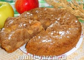 Шоколадная шарлотка с яблоками в мультиварке