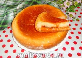 Пирог с вареньем на молоке в мультиварке
