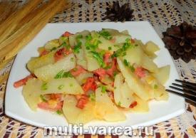 Картошка тушеная с копченой колбасой