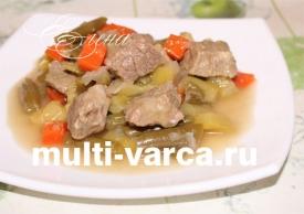 Фасоль с мясом и кабачками в мультиварке