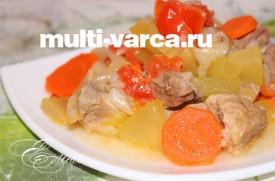 Свинина, тушеная в мультиварке с овощами