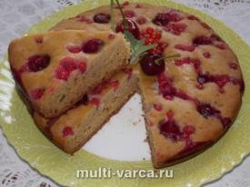 Чайный пирог с ягодами в мультиварке