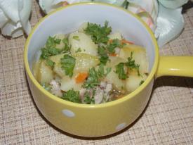 Картошка с кабачками и курицей в мультиварке