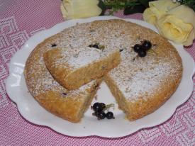 Песочный пирог из черной смородины в мультиварке