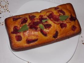 Пирог на кефире с клубникой в духовке