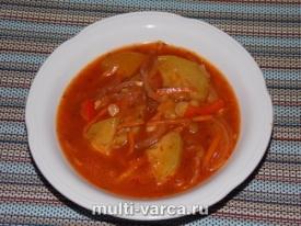 Вкусные кабачки тушеные с морковью и овощами в томатном соусе в мультиварке