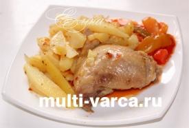Жареные куриные бедрышки с картошкой в мультиварке