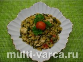 Куриное филе с овощами и чечевицей в мультиварке
