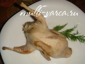 Перепёлки с начинкой из риса и сухофруктов в мультиварке