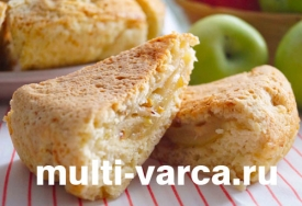 Пирог с грушами и яблоками в мультиварке