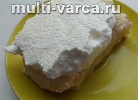 Творожный пирог с безе в мультиварке