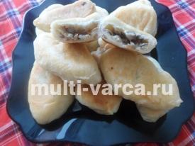 Пирожки с капустой и грибами жареные в мультиварке