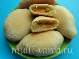 Печеные пирожки с тыквой и яблоками в мультиварке
