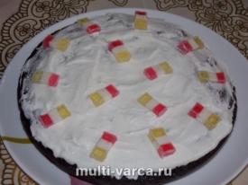 Шоколадный пирог с яблоками в мультиварке