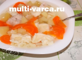 Куриный суп с клецками в мультиварке