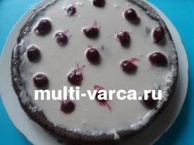 Шоколадно вишневый торт в мультиварке